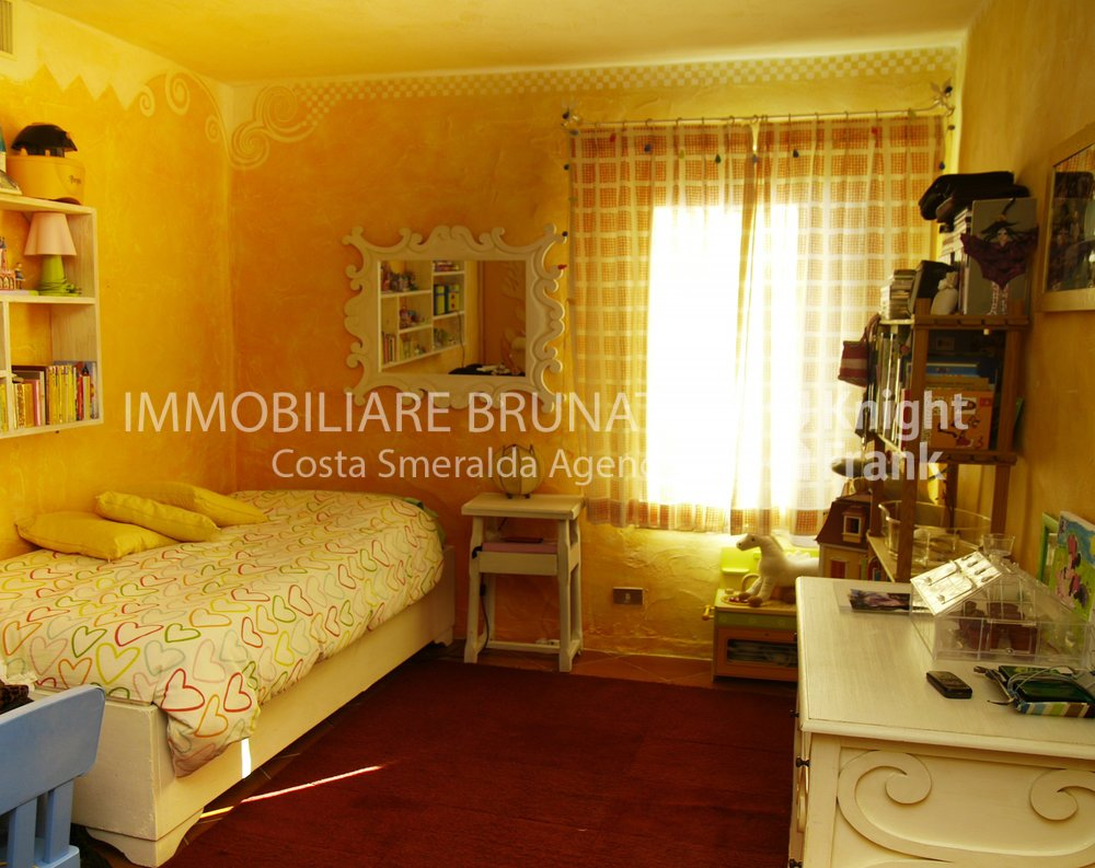 Immobiliare brunati appartamento in porto cervo cala for Immobiliare sardegna